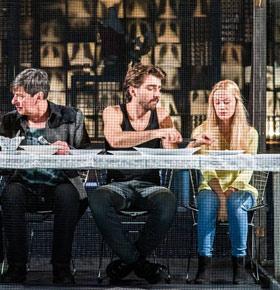 kon-kobieta-kanarek-teatr-zaglebia-min