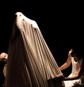 surrealistyczna-noc-muzeum-palac-schoena-sosnowiec-min