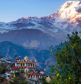 spotkanie-nepal-krolestwo-chmur-lochy-zamek-bedzin-min