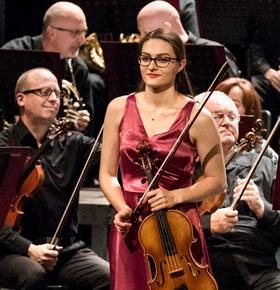 koncert-anna-krzyzak-pkz-dabrowa-gornicza-min